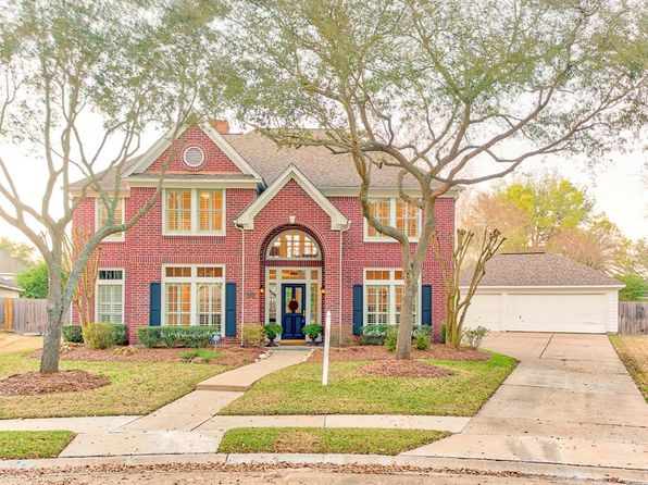 5 bed 4 bath Single Family at 4910 Aberdeen Cir Sugar Land, TX, 77479 is for sale at 484k - 1 of 32