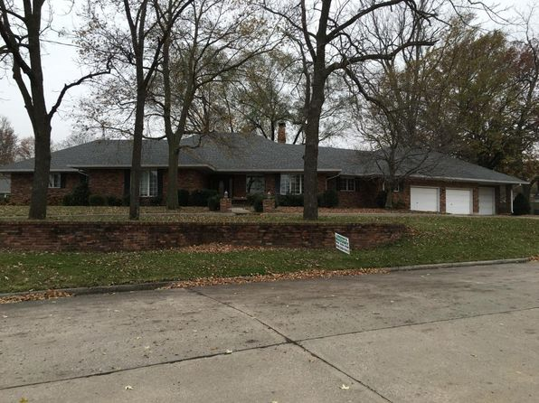 3 bed 3 bath Single Family at 110 E Highlander St Marshall, MO, 65340 is for sale at 275k - 1 of 67