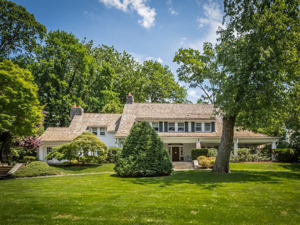 5 bed 4 bath Single Family at 19 Garden Ave Bronxville, NY, 10708 is for sale at 4.00m - 1 of 18