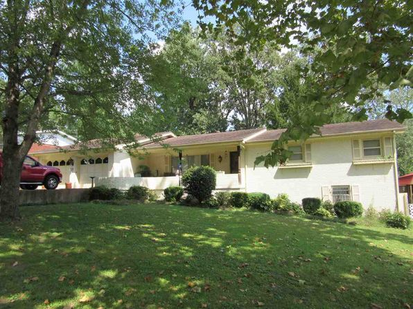 4 bed 2.5 bath Single Family at 2138 Sunset Dr Poplar Bluff, MO, 63901 is for sale at 175k - 1 of 18