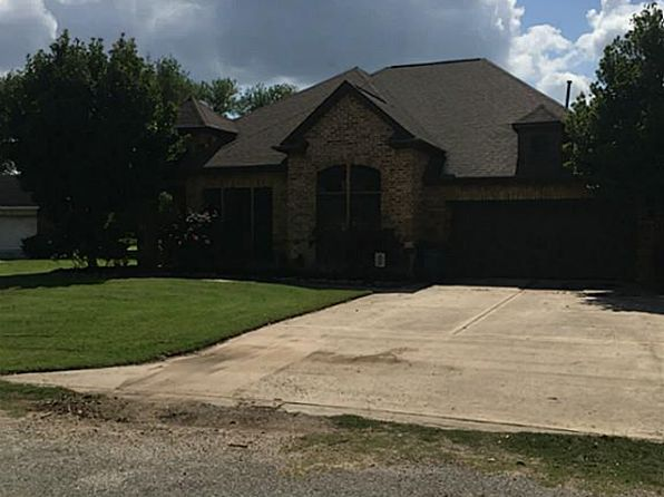 4 bed 2.5 bath Single Family at 2851 Turtle Creek Dr Wharton, TX, 77488 is for sale at 325k - 1 of 20