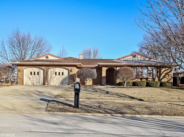 4 bed 3 bath Single Family at 2024 Sherborn Ln Schaumburg, IL, 60193 is for sale at 380k - 1 of 15