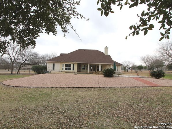 3 bed 4 bath Single Family at 13803 Abbey Ct Saint Hedwig, TX, 78152 is for sale at 389k - 1 of 25