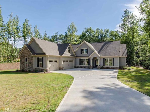 4 bed 3 bath Single Family at 26 Dorain Ct Newnan, GA, 30265 is for sale at 385k - 1 of 33