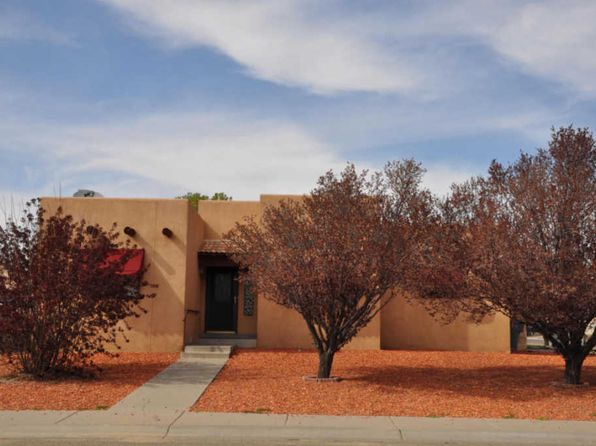3 bed 2 bath Single Family at 101 Meadow Cir Bloomfield, NM, 87413 is for sale at 210k - 1 of 14
