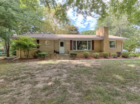 3 bed 3 bath Single Family at 1603 Mitchell Dr Mahomet, IL, 61853 is for sale at 180k - 1 of 24