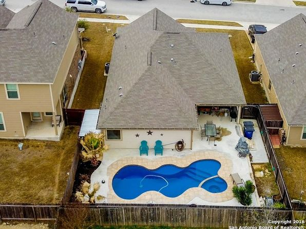 3 bed 2 bath Single Family at 256 PRIMROSE WAY NEW BRAUNFELS, TX, 78132 is for sale at 245k - 1 of 19