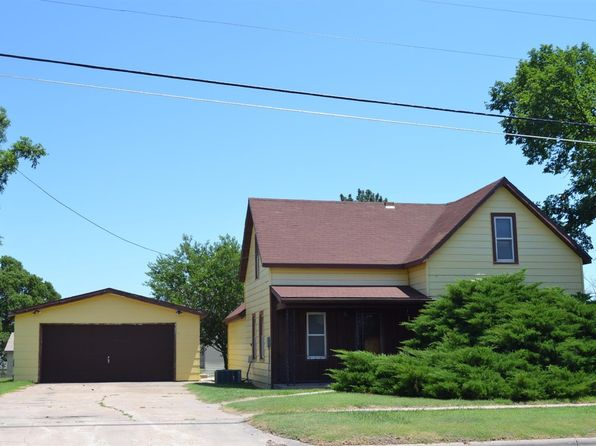 3 bed 1 bath Single Family at 204 W Main St Victoria, KS, 67671 is for sale at 20k - 1 of 3
