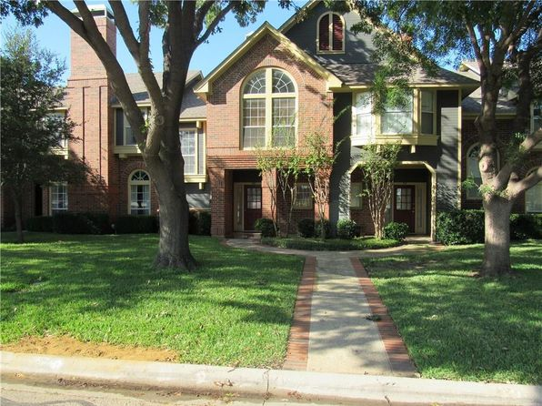 3 bed 3 bath Townhouse at 216 Cobblestone Row Denton, TX, 76207 is for sale at 190k - 1 of 34