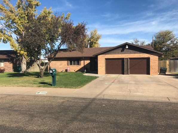 3 bed 3 bath Single Family at 2049 Windsor Ln Liberal, KS, 67901 is for sale at 210k - 1 of 27