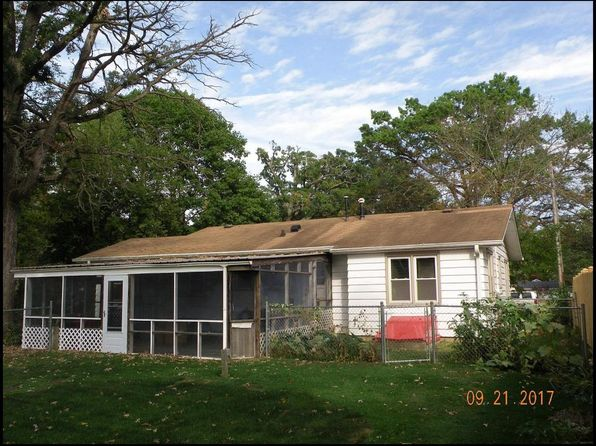 2 bed 1 bath Single Family at 2345 Anna Ave Twin Lakes, WI, 53181 is for sale at 150k - 1 of 15