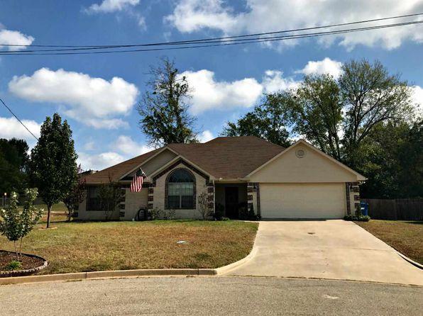 3 bed 2 bath Single Family at 22 Oak Leaf St White Oak, TX, 75693 is for sale at 175k - 1 of 13