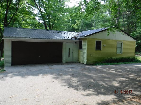 2 bed 1 bath Single Family at 6876 Maple St Newaygo, MI, 49337 is for sale at 60k - 1 of 22