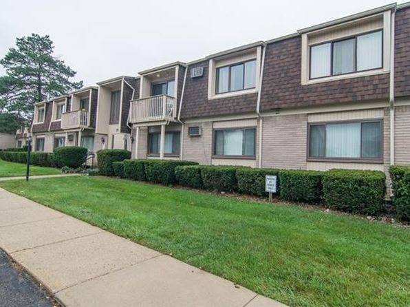 2 bed 1 bath Condo at 7040 Villa Dr Waterford, MI, 48327 is for sale at 60k - 1 of 25