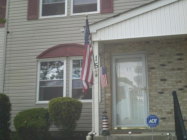2 bed 2 bath Townhouse at 82 Cliffwood Ave Cliffwood, NJ, 07721 is for sale at 200k - 1 of 15