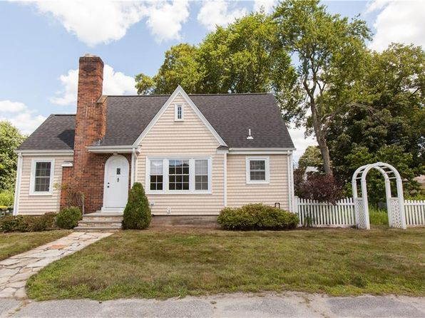 3 bed 2 bath Single Family at 145 Old County Rd Smithfield, RI, 02917 is for sale at 270k - 1 of 21