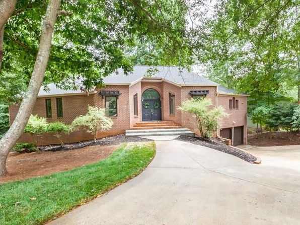 5 bed 3 bath Single Family at 201 Pebble Creek Way Taylors, SC, 29687 is for sale at 385k - 1 of 33