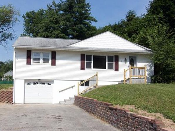 3 bed 1 bath Single Family at 30 Linden Dr Newburgh, NY, 12550 is for sale at 200k - 1 of 30