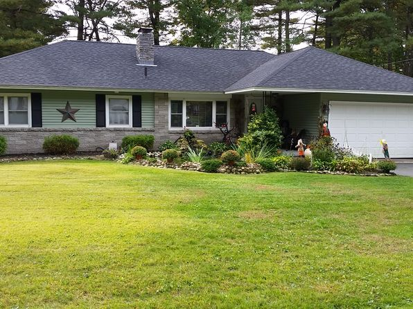 3 bed 2 bath Single Family at 4 Pinecrest Cir Ware, MA, 01082 is for sale at 210k - 1 of 24