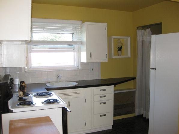 1 bed 1 bath Condo at 3210 Shenandoah Dr Royal Oak, MI, 48073 is for sale at 64k - 1 of 5