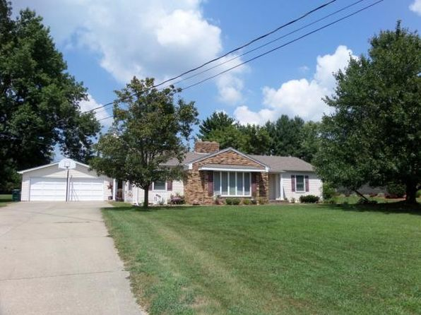 3 bed 2 bath Single Family at 2533 E Washington Rd Casey, IL, 62420 is for sale at 165k - 1 of 36