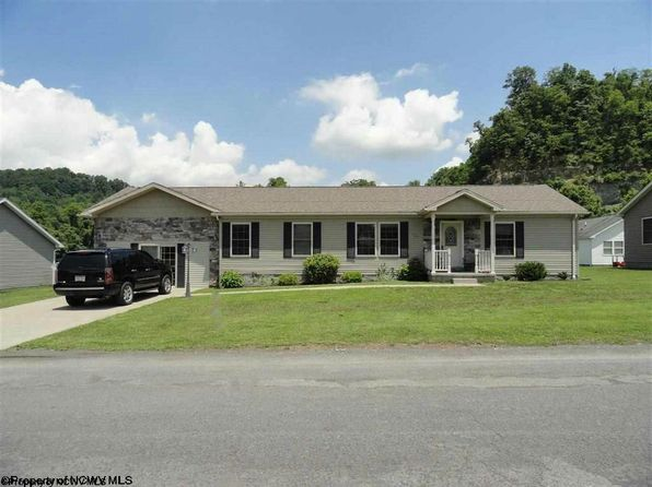 3 bed 2 bath Single Family at 105 Overlook Dr Clarksburg, WV, 26301 is for sale at 190k - 1 of 15