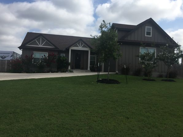 3 bed 3 bath Single Family at 2112 Geneva Ct Castroville, TX, 78009 is for sale at 315k - 1 of 5