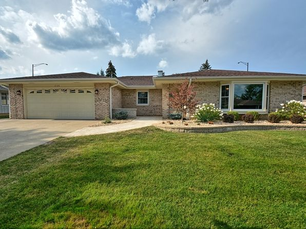 3 bed 3 bath Single Family at 2128 Chilmark Ln Schaumburg, IL, 60193 is for sale at 440k - 1 of 31