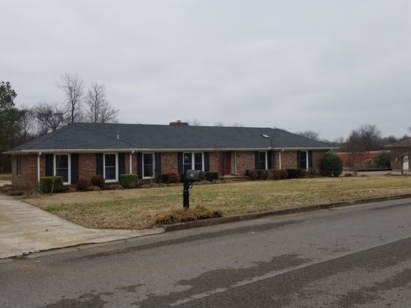 4 bed 3 bath Single Family at 2118 Stratford Rd Murfreesboro, TN, 37129 is for sale at 470k - 1 of 13