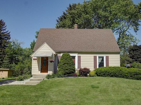 3 bed 2 bath Single Family at 1125 Parkmoor Dr Brookfield, WI, 53005 is for sale at 220k - 1 of 25