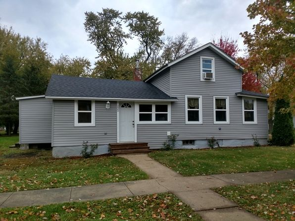 2 bed 1 bath Single Family at 225 E Lahman St Franklin Grove, IL, 61031 is for sale at 56k - 1 of 27