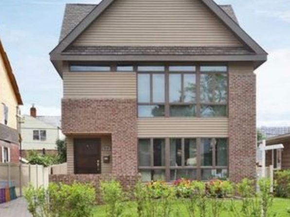5 bed 5 bath Single Family at 6425 182nd St Fresh Meadows, NY, 11365 is for sale at 1.60m - 1 of 5