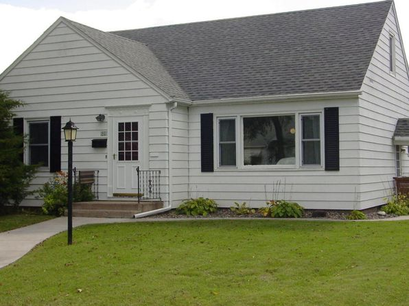 3 bed 2 bath Single Family at 609 12th St NW East Grand Forks, MN, 56721 is for sale at 160k - 1 of 29