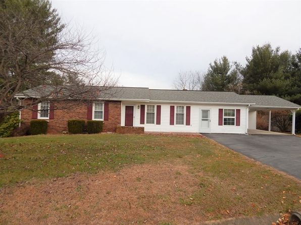 3 bed 2 bath Single Family at 106 King Arthur Ct Galax, VA, 24333 is for sale at 130k - 1 of 23