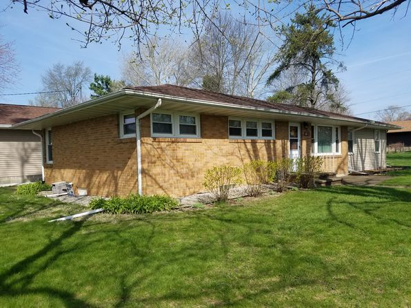 4 bed 2 bath Single Family at 221 S Lincoln St Toluca, IL, 61369 is for sale at 125k - 1 of 19