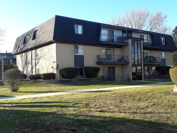 2 bed 2 bath Condo at 11130 S 84th Ave Palos Hills, IL, 60465 is for sale at 120k - 1 of 12