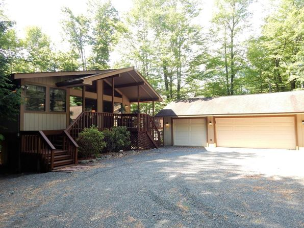 4 bed 3 bath Single Family at 1284 REDWOOD TER POCONO PINES, PA, 18350 is for sale at 299k - 1 of 55