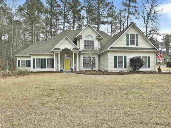 4 bed 3 bath Single Family at 100 Kindlehurst Dr Tyrone, GA, 30290 is for sale at 310k - 1 of 32