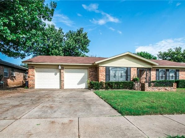 4 bed 2 bath Single Family at 916 Pecan St Crowley, TX, 76036 is for sale at 170k - 1 of 33