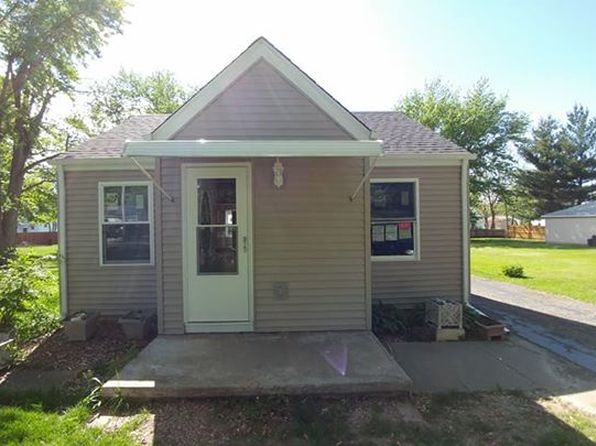3 bed 1 bath Single Family at 209 Esser St Washington, IL, 61571 is for sale at 90k - 1 of 42