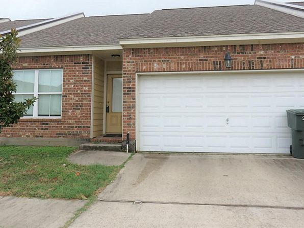 2 bed 2 bath Townhouse at 2102 Ann Marie Ln Galveston, TX, 77551 is for sale at 160k - 1 of 13