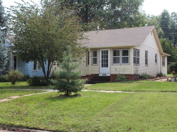 2 bed 1 bath Single Family at 1211 13TH ST Auburn, NE, null is for sale at 75k - 1 of 3