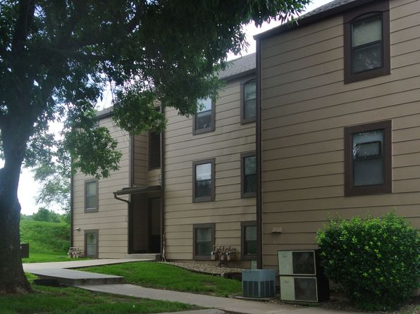 2 bed 2 bath Condo at 1444 Westbrooke St Lawrence, KS, 66049 is for sale at 87k - 1 of 8