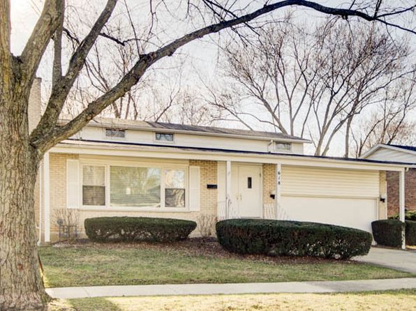 4 bed 3 bath Single Family at 618 Barberry Rd Highland Park, IL, 60035 is for sale at 425k - 1 of 25