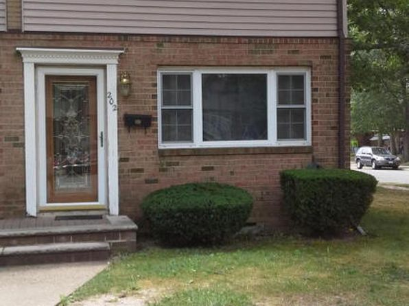 2 bed 2 bath Townhouse at 202 Samantha Ct Brick, NJ, 08724 is for sale at 180k - 1 of 6