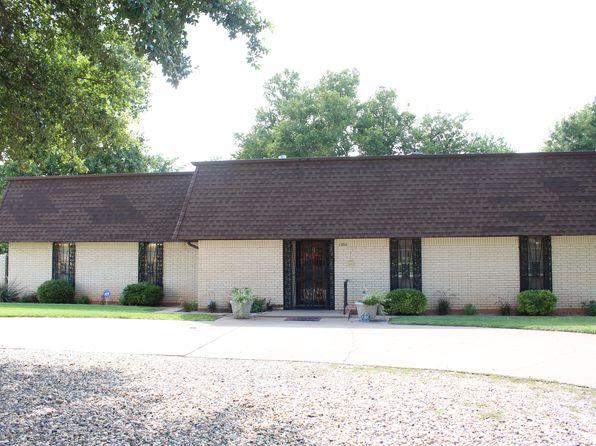 3 bed 2 bath Single Family at 1366 S Leggett Dr Abilene, TX, 79605 is for sale at 180k - 1 of 40