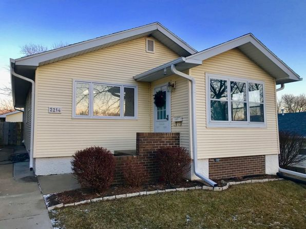 2 bed 2 bath Single Family at 2214 S Maple St Sioux City, IA, 51106 is for sale at 125k - 1 of 18