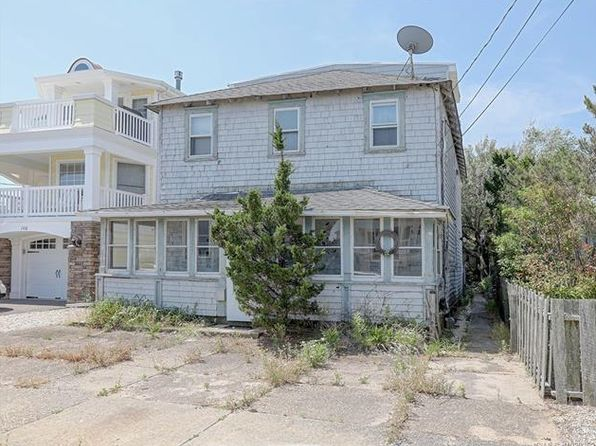6 bed 4 bath Single Family at 102 E 4th St Ship Bottom, NJ, 08008 is for sale at 493k - 1 of 16