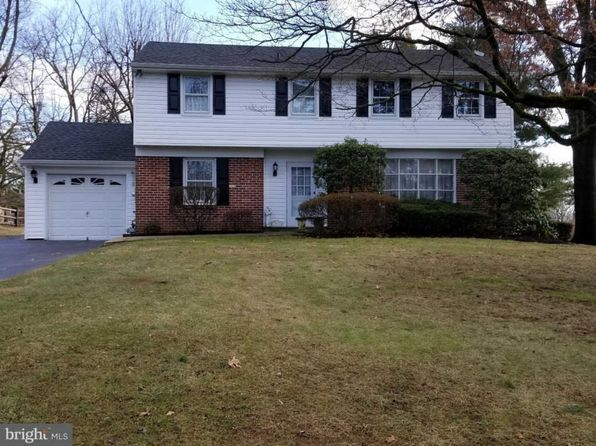 4 bed 2 bath Single Family at 373 Fairhill Dr Southampton, PA, 18966 is for sale at 379k - 1 of 25