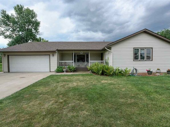 3 bed 2 bath Single Family at 19 Nickel Pl Spearfish, SD, 57783 is for sale at 260k - 1 of 24